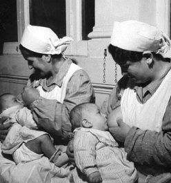 breastfeeding-slavery-4