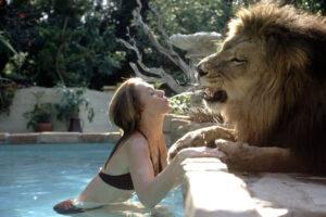 Tippi Hedren with pet lion