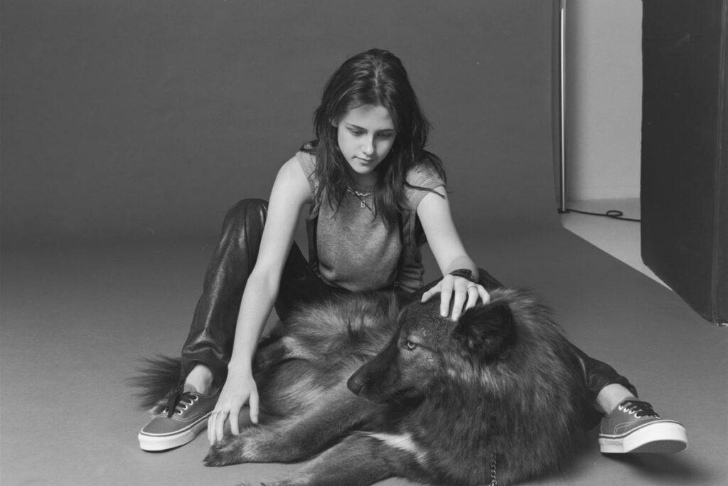 kristen stewart and her wolf